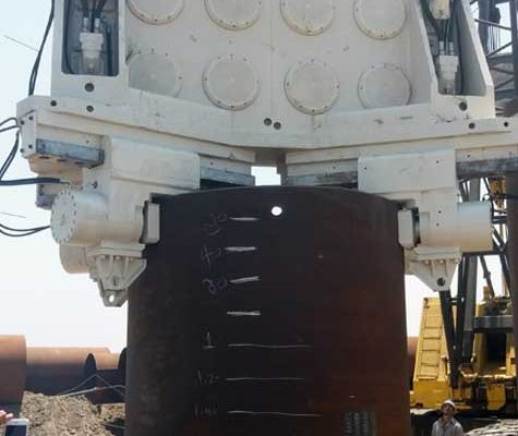 Crane-Suspended-Vibratory-Hammer-SVR-200-NF-Suez-Canal-Port-Said